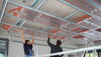 Flachenheizung Decke Fotos : Modulare deckenheizung und kühlung acular decke thermolutz